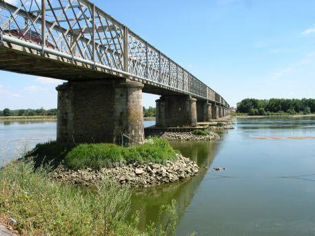 Pont reliant Mauves-sur-Loire (44) et La Chapelle-Basse-Mer (44) - RD31