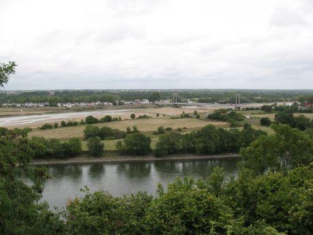 La Loire en étiage, l'île du Buzet