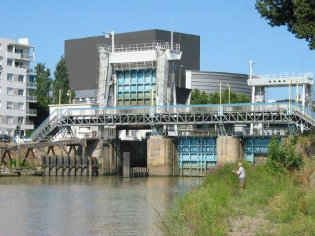 Ecluse Saint-Félix à la jonction entre la Loire et l'Erdre