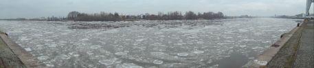 La Loire prise dans les glaces à Nantes